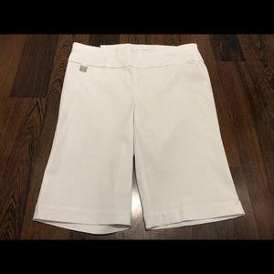 NWT Rafaella White Comfort sportswear Shorts.